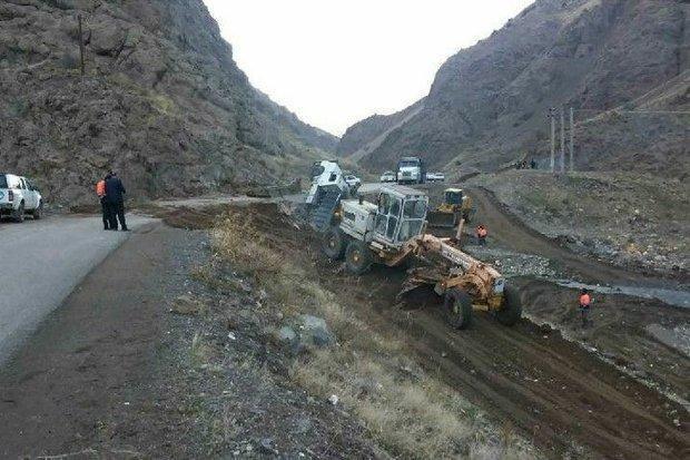 پل خچیره طالقان فرو ریخت، سقوط کامیون به رودخانه