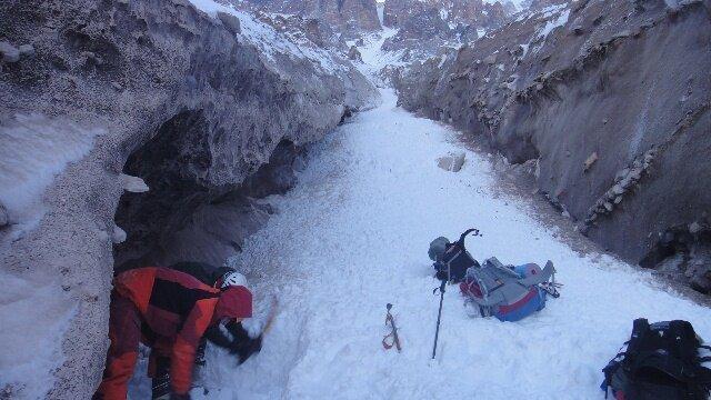 نجات 7 نفر از اهالی مفقود شده بازفت در کولاک برف