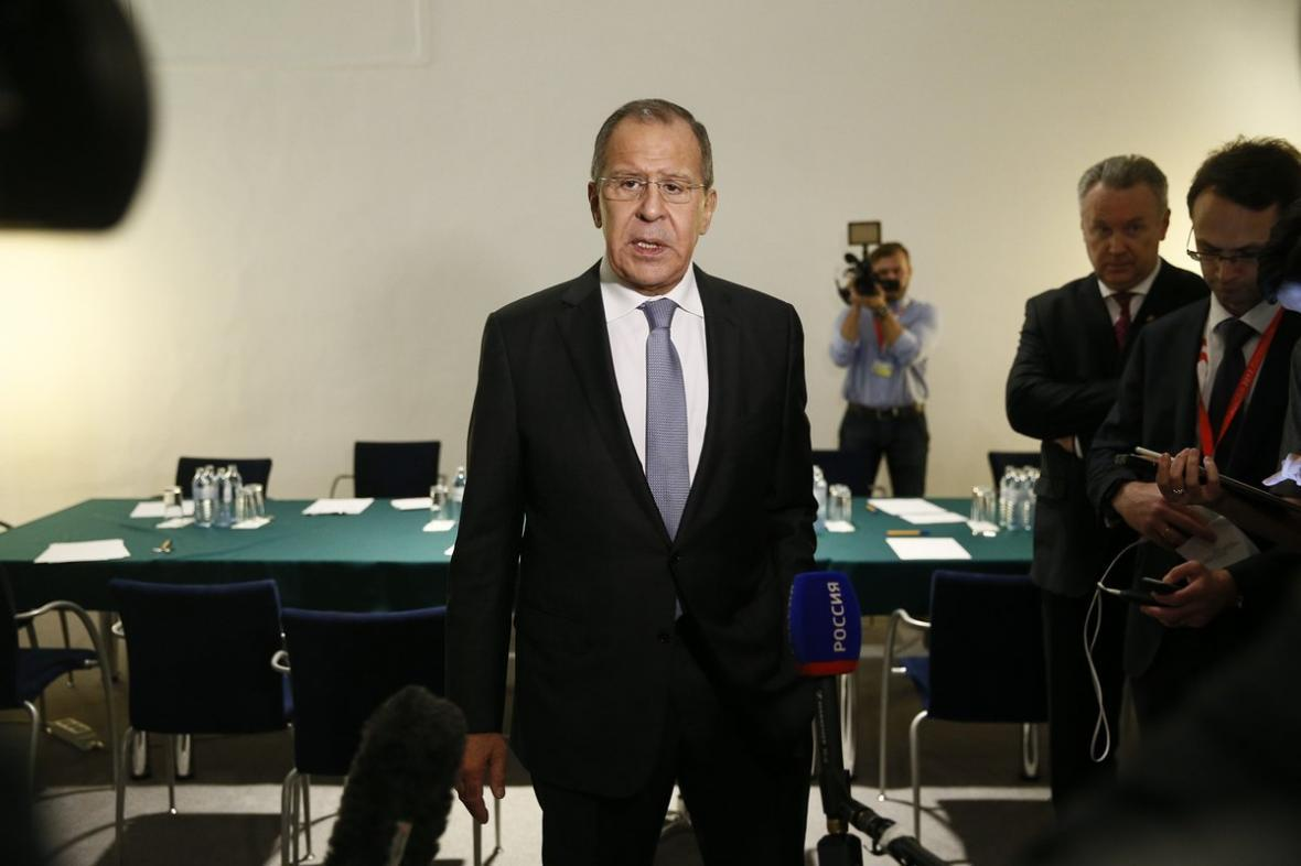 لاوروف: هیچ کشوری حق حمله به کشور دیگری ندارد