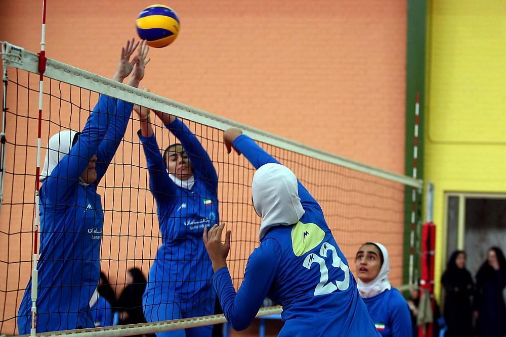 دعوت بانوی والیبالیست کرمانی به اردوی تیم ملی