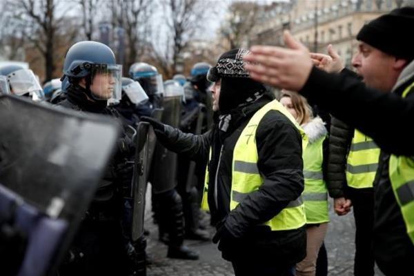 هزاران نفر از معترضان فرانسوی باردیگر به خیابان ها آمدند