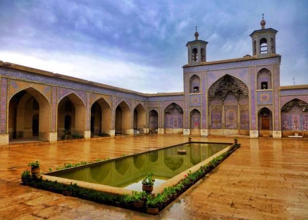 مسجد رنگین کمانی زیبا و باشکوه نصیرالملک شیراز