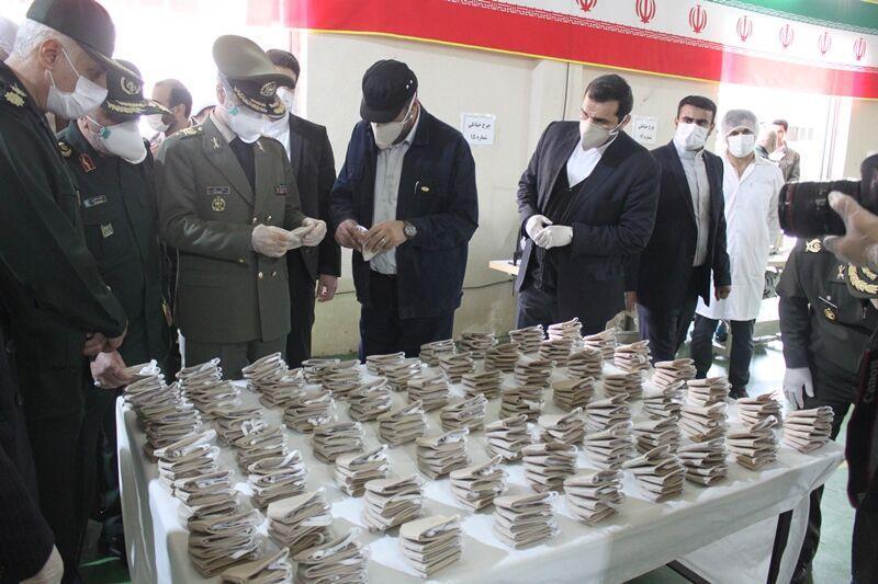 خبرنگاران وزارت دفاع ماسک های فیلتردار پیشرفته یونی را برای نخستین بار تولید کرد