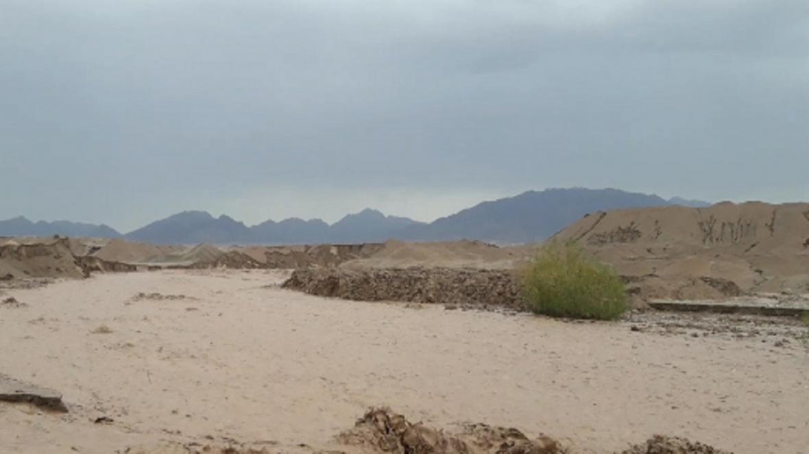 سیل در پی بارش شدید باران در روستای معلمان