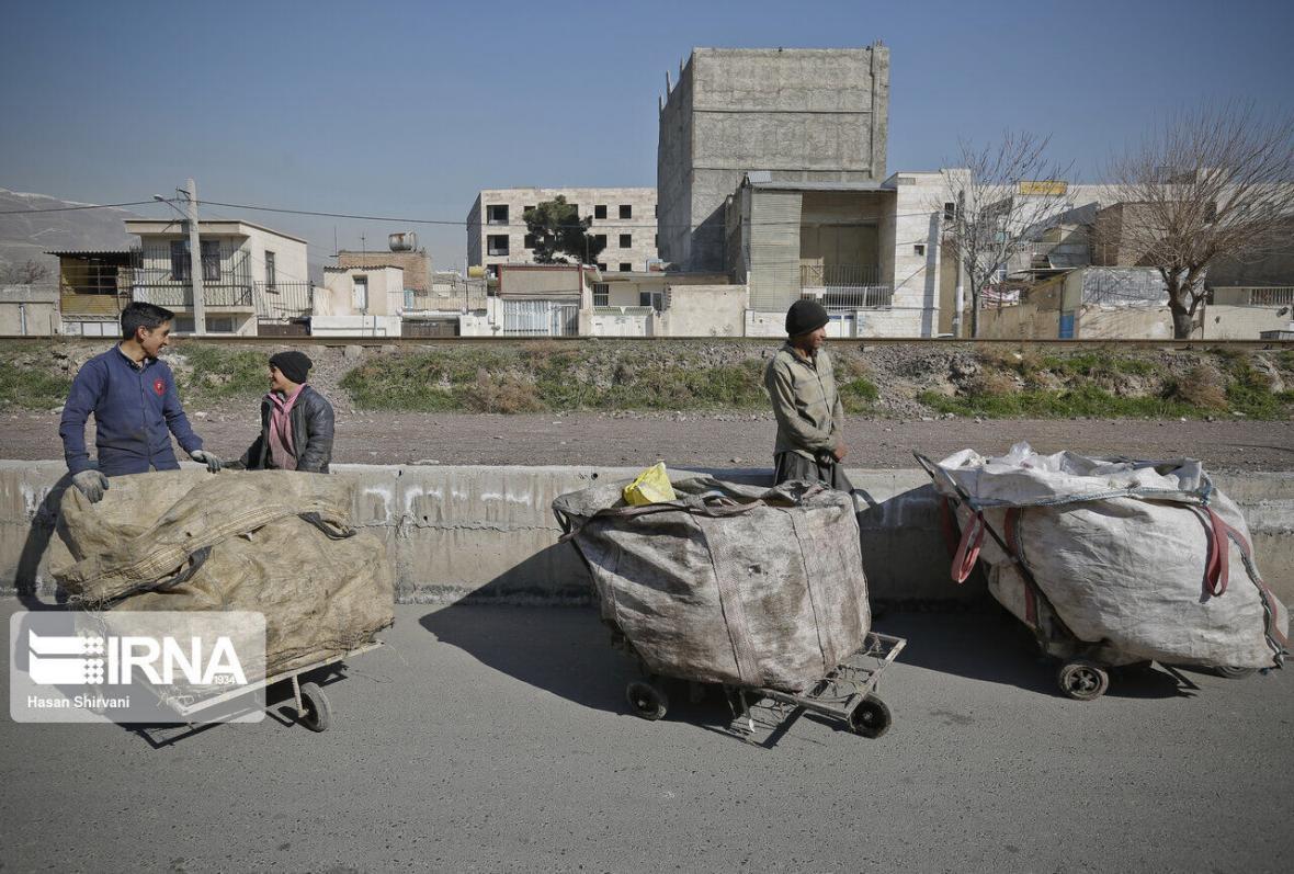 خبرنگاران 12 واحد صنفی خرید و فروش ضایعات در قزوین پلمب شد