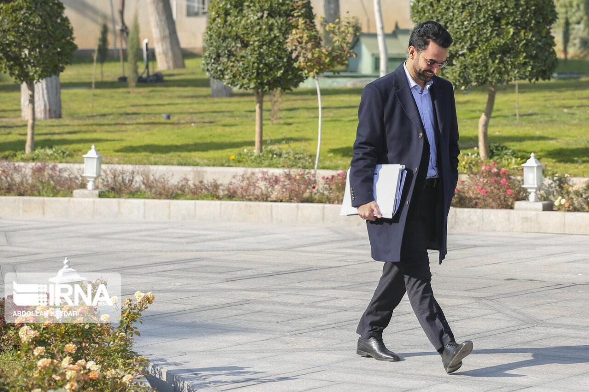 خبرنگاران وزیر ارتباطات به پویش ایران همدل پیوست