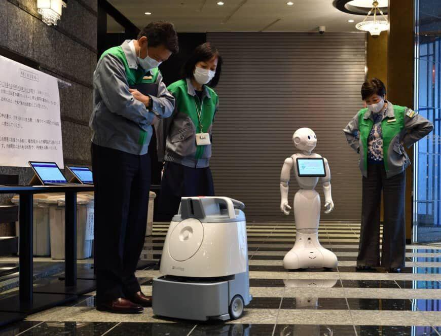 ربات های ژاپنی در خدمت مبتلایان به کرونا