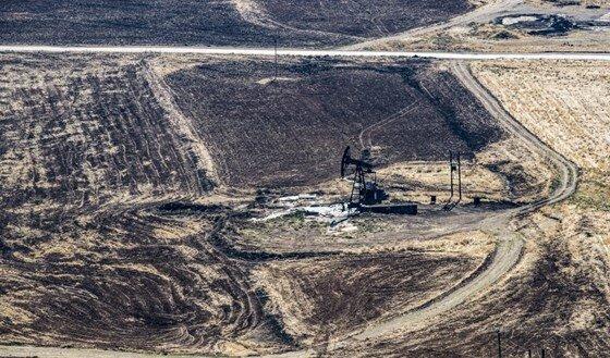 دفاع واشنگتن از قرارداد نفتی شرکت آمریکایی با کردهای سوریه