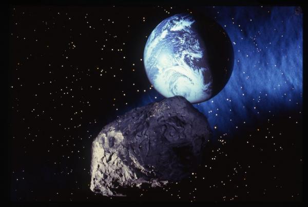 یک سیارک عظیم تا ساعاتی دیگر از نزدیکی کره زمین عبور خواهد نمود یک سیارک عظیم تا ساعاتی دیگر از نزدیکی کره زمین عبور خواهد نمود