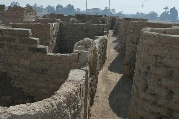 کشف یک شهر 3 هزار ساله در مصر