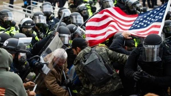 بازداشت 440 متهم در ارتباط با حمله به کنگره آمریکا تا به امروز