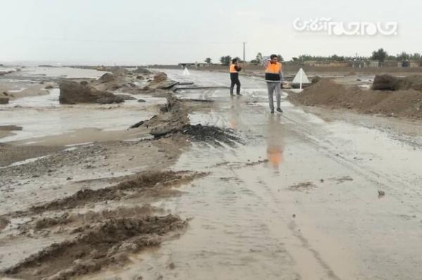 گرفتار شدن 26 خودرو و موتورسیکلت در سیل رامه، 50 نفر نجات یافتند