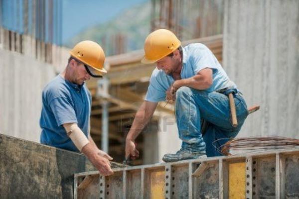 با تصویب مجلس، همه کارگران ساختمانی بیمه می شوند