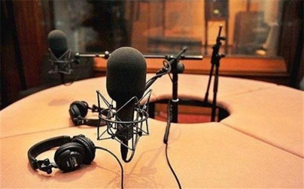 یک نمایش یک تجربه فرصتی برای بازیگری در رادیو نمایش